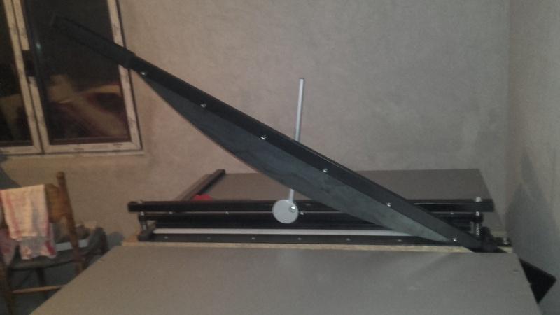 Mašina za sečenje kartona i papira - GILJOTINA
