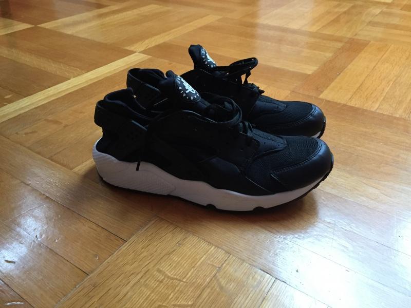Oglas Nike Huarache 6000 Din Srbija Subotica Srbija