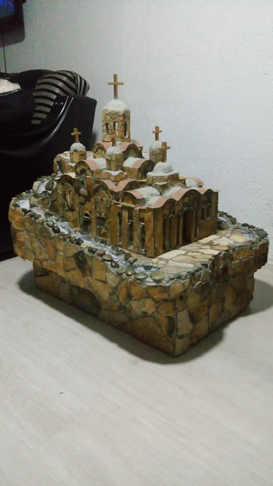 Na prodaju makete pravoslavnih svetinja (od kamena - rucni rad). Izrada maketa po zelji kupca. Za sve informacije - 069180627.