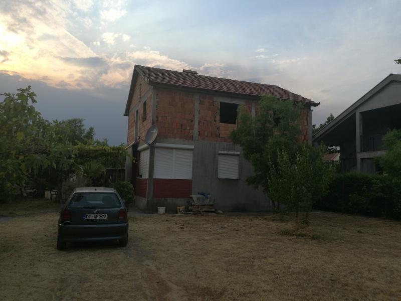 Prodajem kuću u Zagoriču