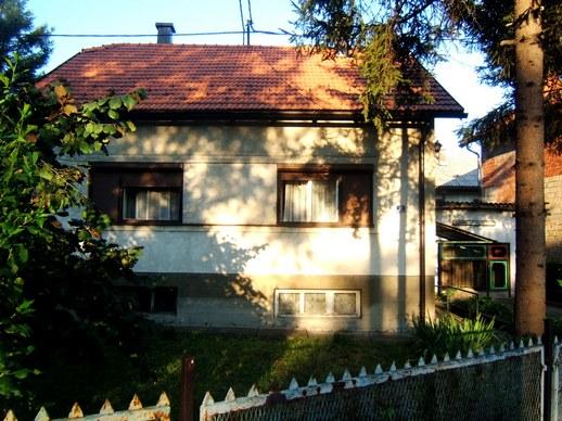 Kuća  Tuzla Miladije kod škole i carine